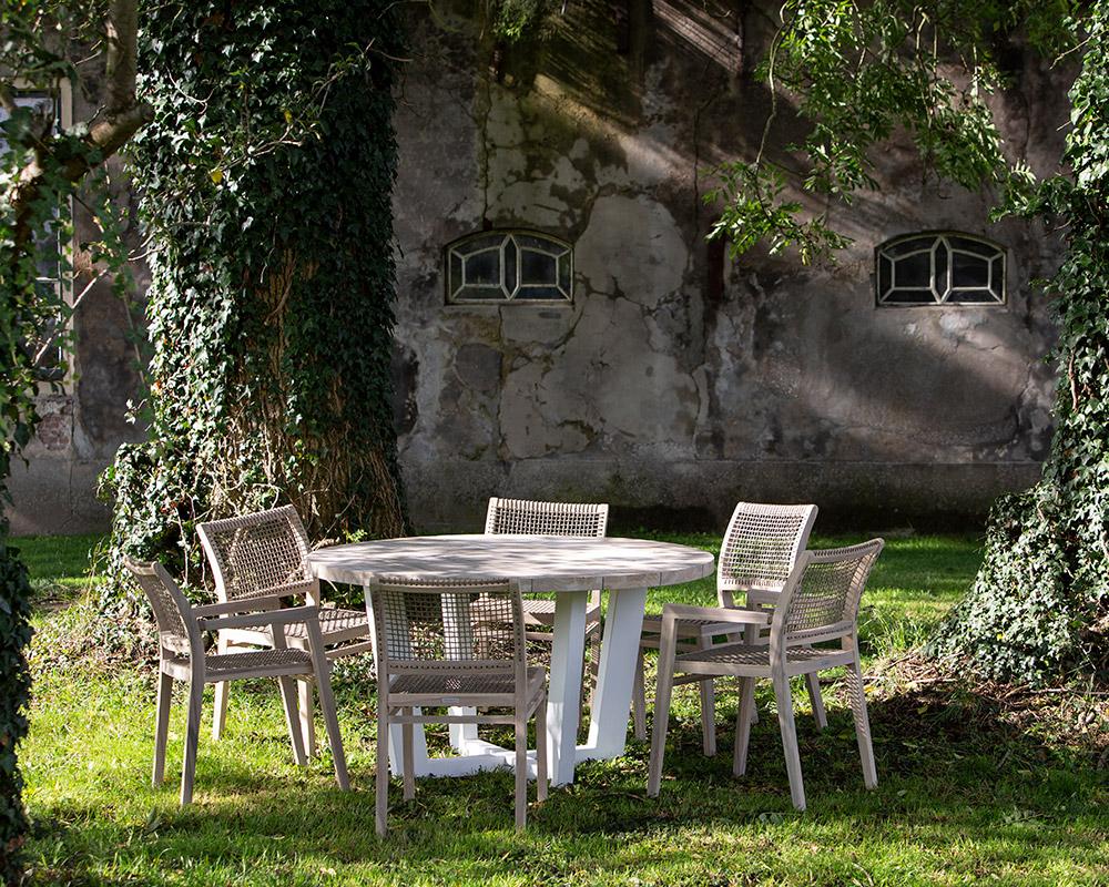 Möbel Tisch mit Stühlen